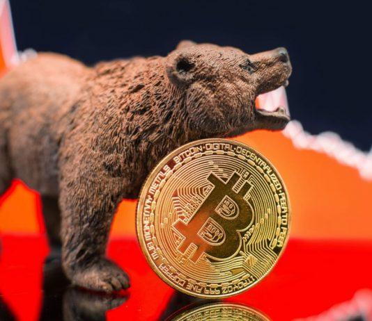 Tvrdý pád na trhu s kryptoměnami - Bitcoin testuje 30k, Ethereum je stále vysoko