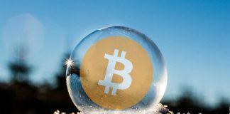 Nafoukla se na trhu s kryptoměnami bublina? Vyplatí se ještě koupit Bitcoin?